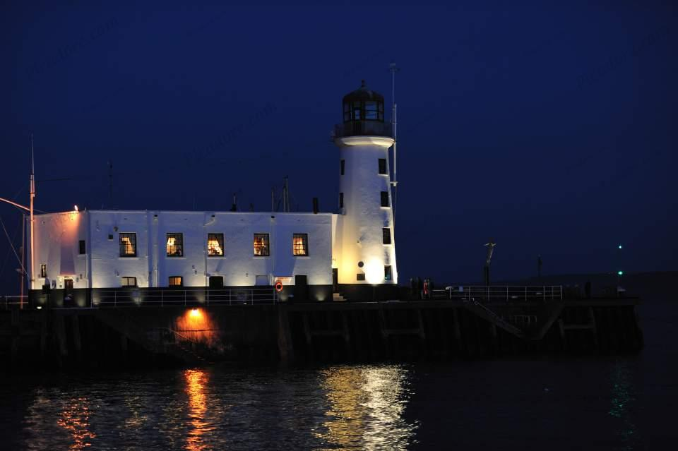 Scarborough lighthouse at night Large Version